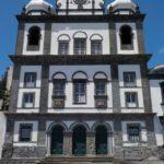 08_Eine der vielen Kirchen in Horta